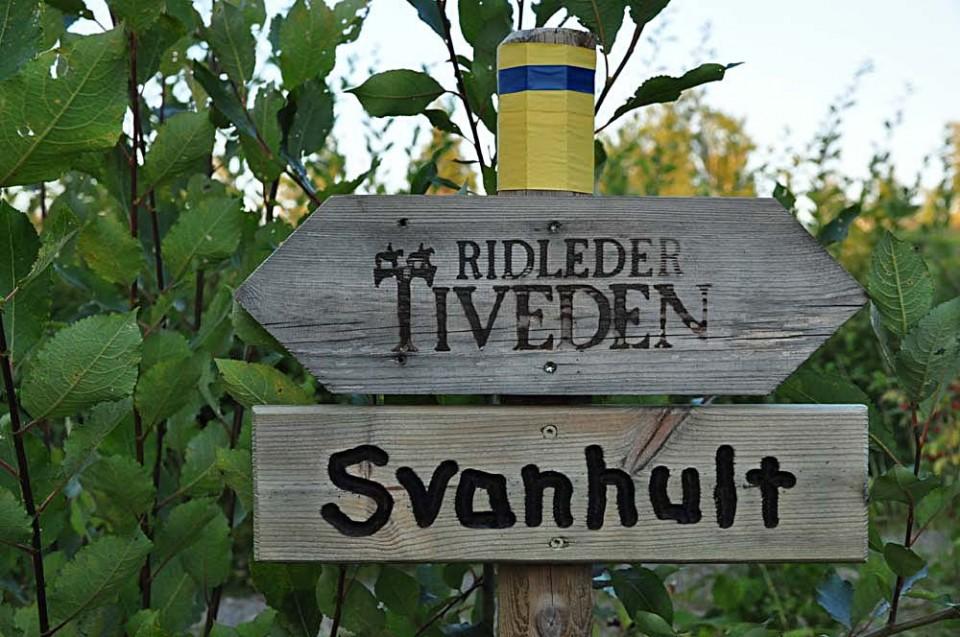 Skylt med Ridleder Tiveden och Svanhult